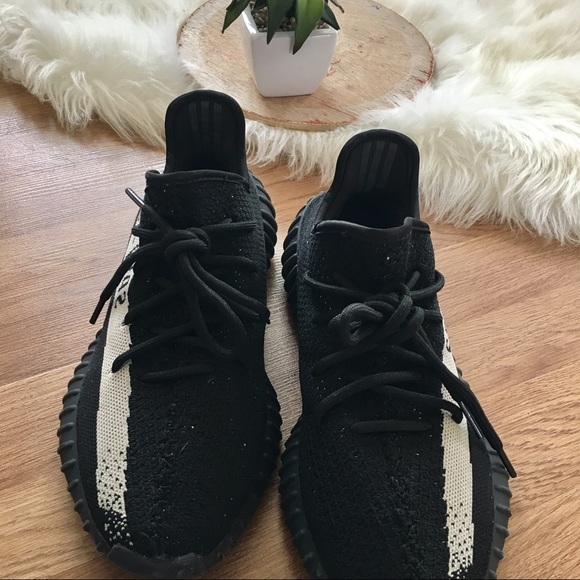 adidas nmd women size 5 adidas yeezy 350 boost v2 size 11